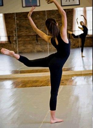 dancer-mirror-photo